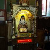 Fragment din moaștele Sfântului Nectarie la Târgu Neamț